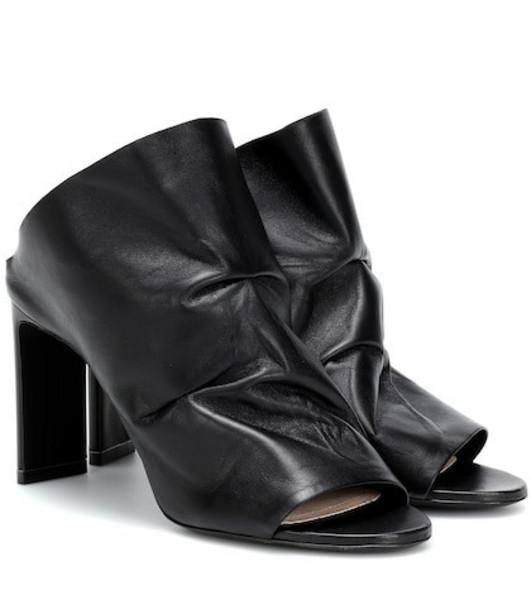 Nicholas Kirkwood D'Arcy 85 leather mules in black