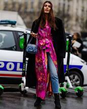 bag,handbag,blue bag,sock boots,cropped jeans,straight jeans,floral kimono,black coat,long coat