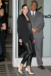 shoes,pants,pumps,olivia palermo,celebrity,blogger,top,leather pants