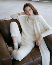 sweater,pants
