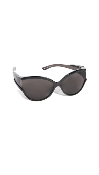 Balenciaga Unlimited Soft Mask Sunglasses in black / grey