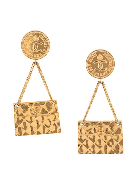 Chanel Pre-Owned bag motif clip-on earrings in gold