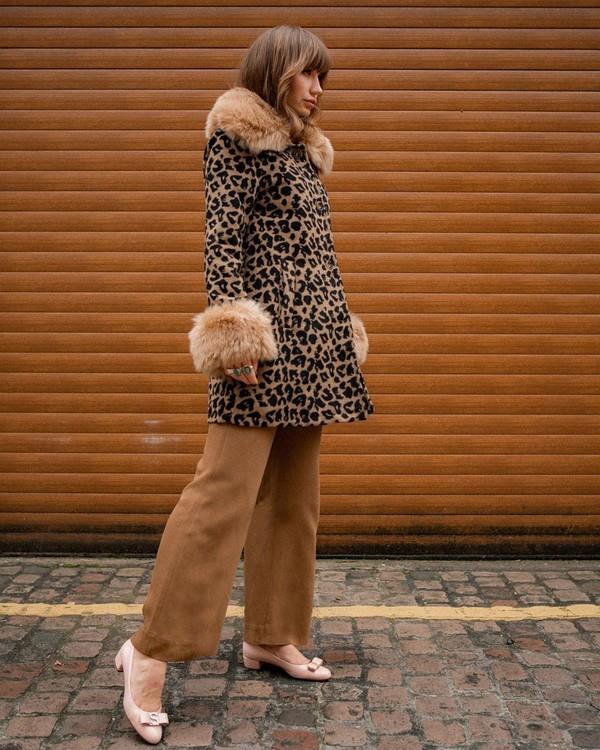 shoes pumps wide-leg pants coat leopard print