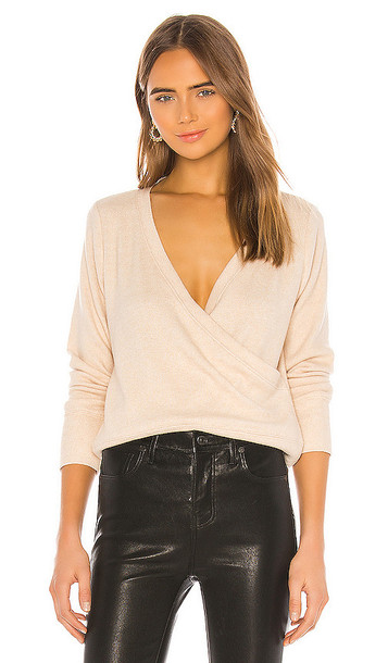 525 america Low V Back Pullover Sweater in Cream