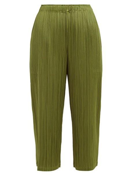Pleats Please Issey Miyake - Pleated Straight Leg Cropped Trousers - Womens - Khaki