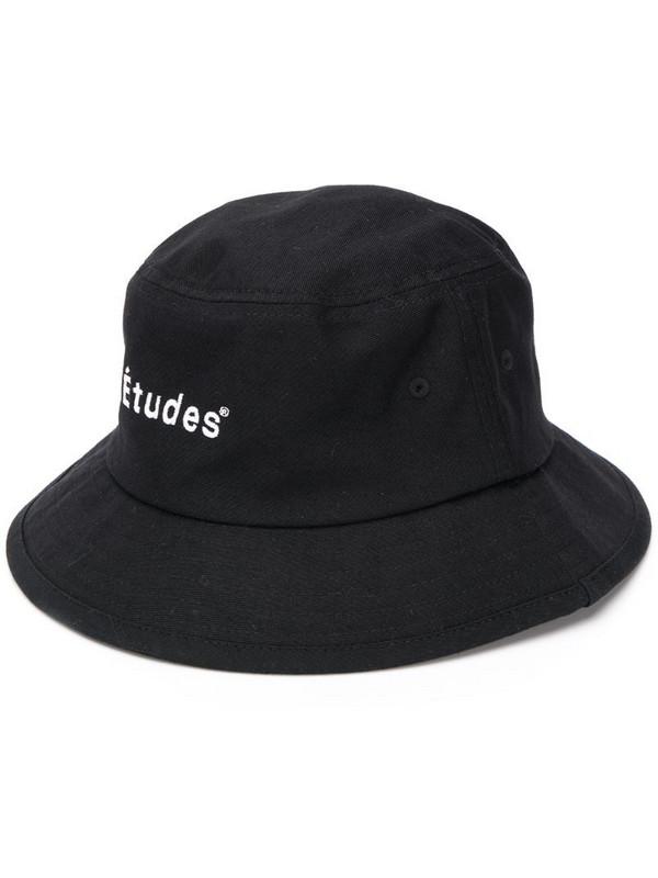 Etudes Training hat in black