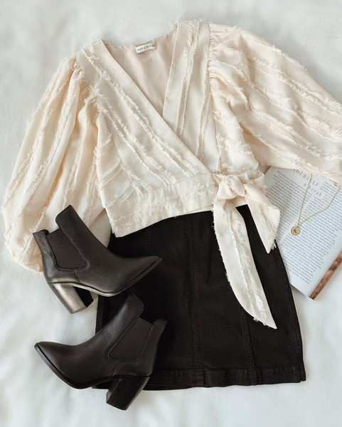 skirt top shoes jewels