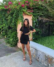 skirt,black skirt,mini skirt,black sandals,black t-shirt,shoulder bag