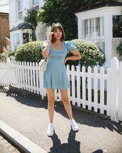 dress,mini dress,short sleeve,short sleeve dress,white sneakers,bag