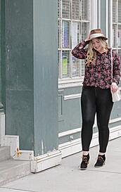 rachel'slookbook,blogger,hat,bag,blouse,leggings,shoes,plus size,ankle boots,skinny jeans