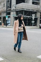 crystalin marie,blogger,sweater,coat,jeans,shoes,bag,sunglasses