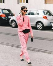 sweater,pink,pink sweater,pink pants,pants,streetstyle
