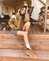 jacket,brown jacket