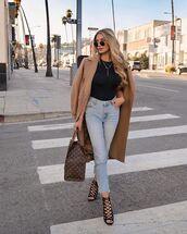 jeans,high waisted bikini,black sandals,black top,louis vuitton bag,coat