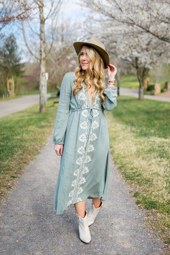 pearls&twirl blogger dress shoes hat blue dress midi dress spring outfits white boots