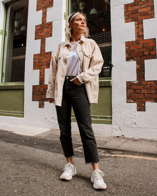 jacket white sneakers high waisted jeans cropped jeans white t-shirt jeans black jeans