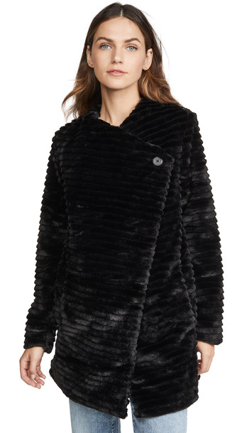 BB Dakota Fab Moment Faux Fur Jacket in black