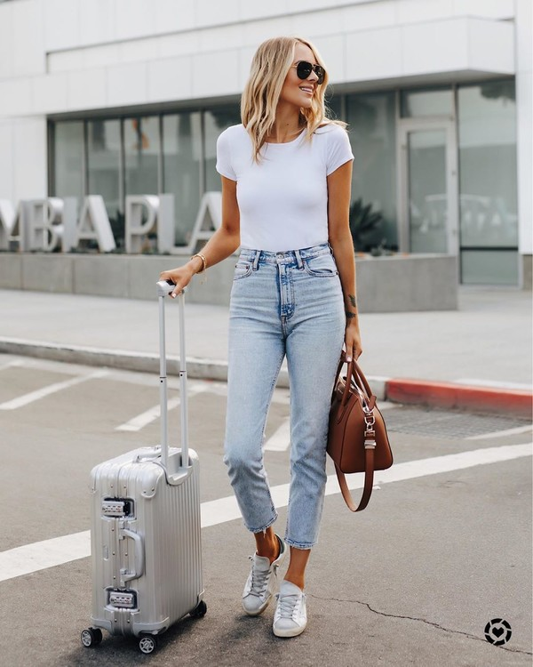 jeans high waisted jeans skinny jeans white sneakers brown bag white t-shirt