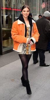 jacket,hailee steinfeld,celebrity,fall outfits,orange