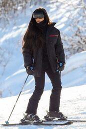 jacket,kim kardashian,kardashians,celebrity,winter jacket,winter outfits,black