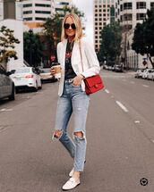 top,black t-shirt,white blazer,cropped jeans,skinny jeans,mules,red bag