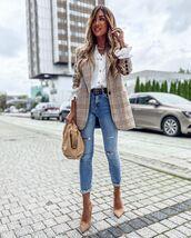 coat,blazer,shirt,white shirt,denim,jeans,pumps,work outfits