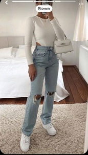 pants,whole outfit,light wash jeans,everything,white top