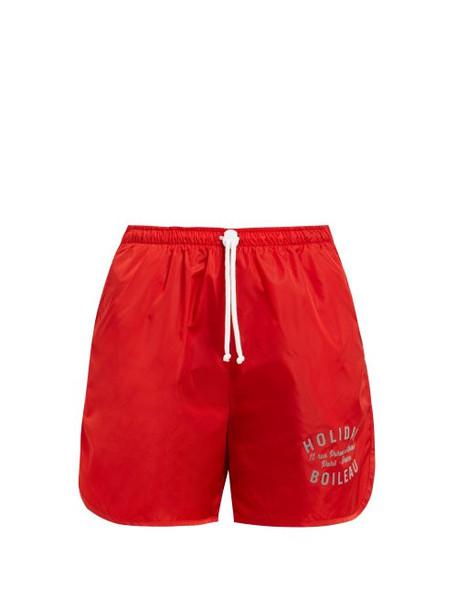 shorts print red