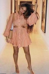 dress,peach,beyonce,celebrity,sandals,sandal heels
