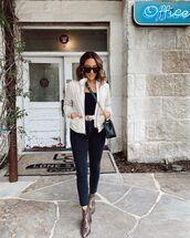 jacket,cropped jacket,black jeans,skinny jeans,ankle boots,snake print,black top,crossbody bag
