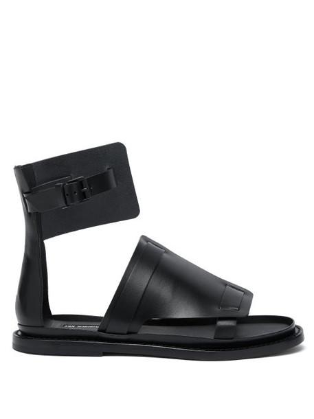 Ann Demeulemeester - Buckled Flat Leather Sandals - Womens - Black