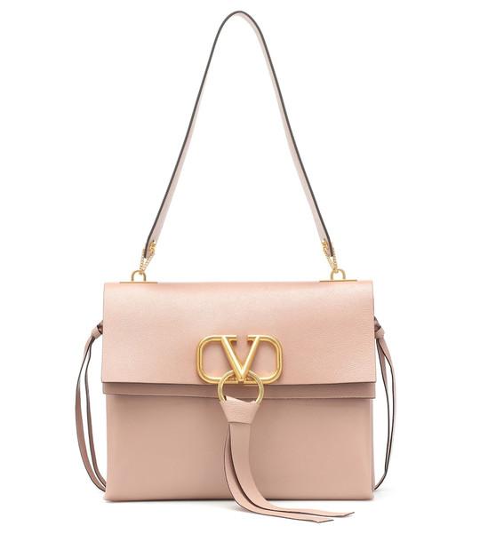Valentino Garavani VRING Medium shoulder bag in pink