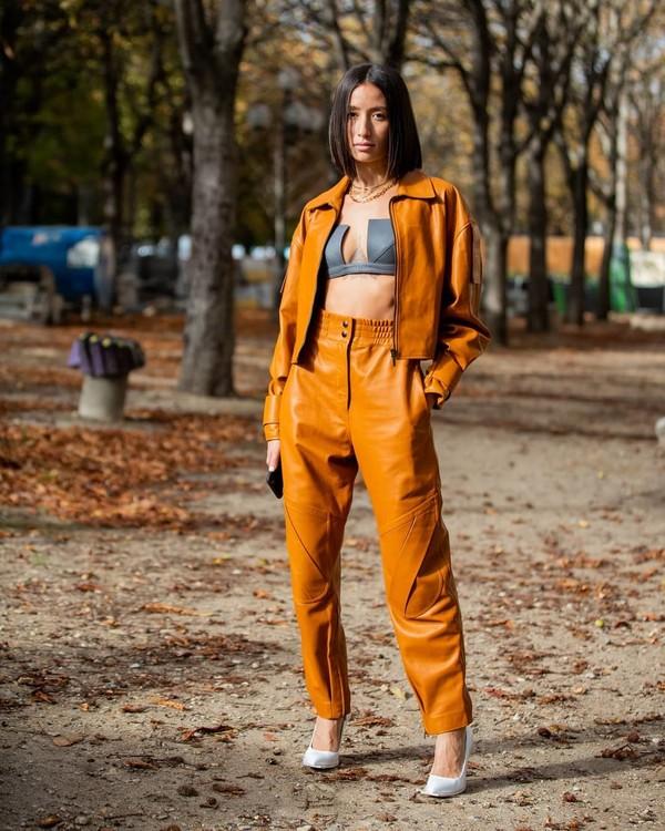 pants high waisted pants leather pumps jacket cropped jacket bra