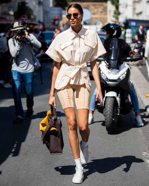 shoes white sneakers leggings shorts shirt fendi bag