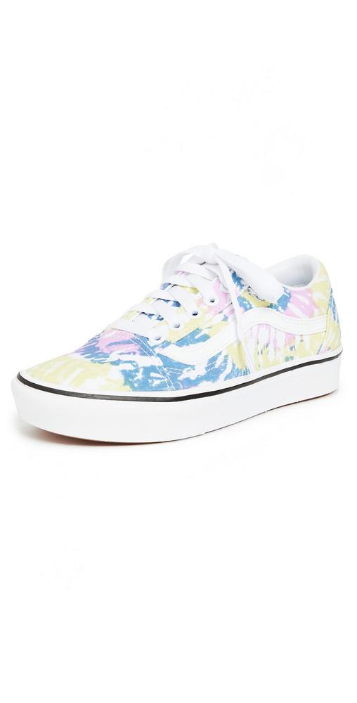 Vans Fu Comfycush Old Skool Sneakers in white