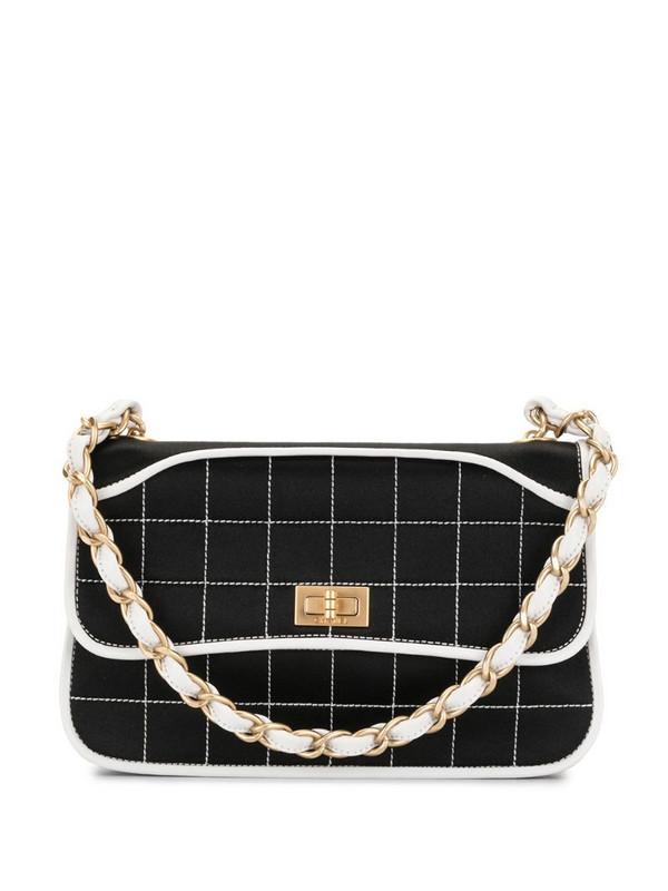 Chanel Pre-Owned 2001 2.55 Choco Bar shoulder bag in black