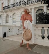 bag,handbag,platform shoes,wide-leg pants,white pants,high waisted pants,t-shirt