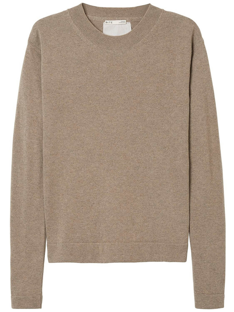 BITE STUDIO Recycled Heavy Cashmere V Neck Sweater in beige