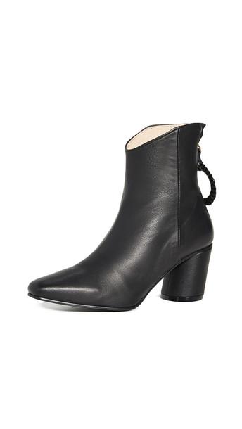 Reike Nen Oblique Turnover Ring Boots in black