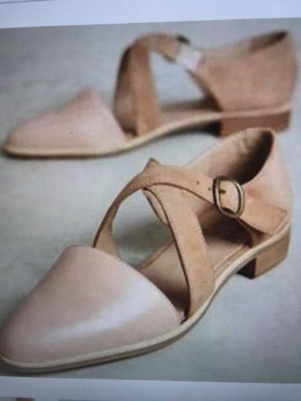shoes beige sandals flat sandals