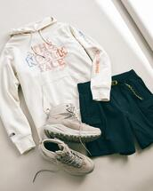 shoes,sweater
