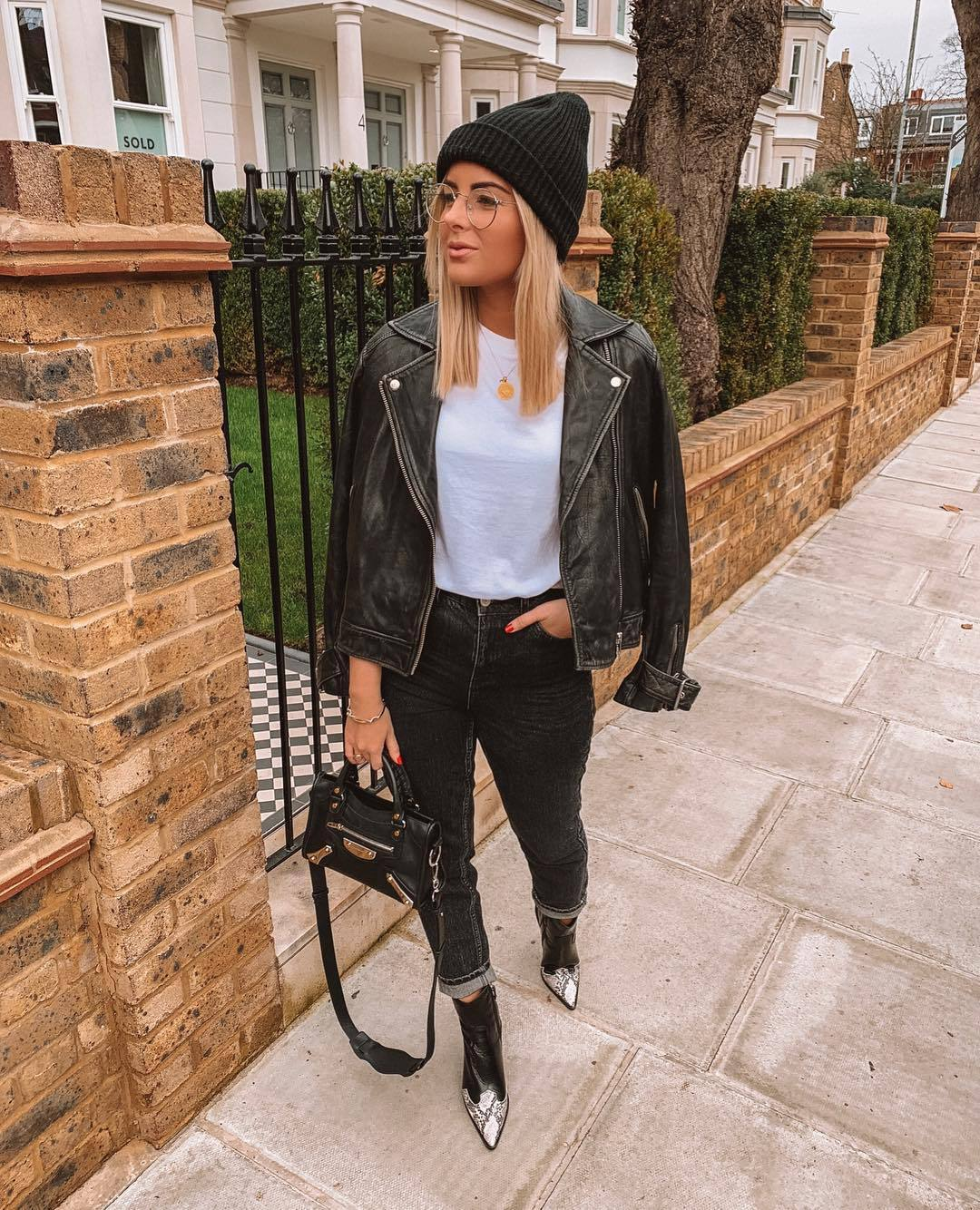 jacket black jacket leather jacket ankle boots black boots high waisted jeans black jeans black bag white t-shirt black beanie