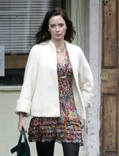 coat,white,cuff sleeves,emily blunt
