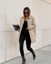 jeans,black skinny jeans,black boots,oversized jacket,tank top,black bag