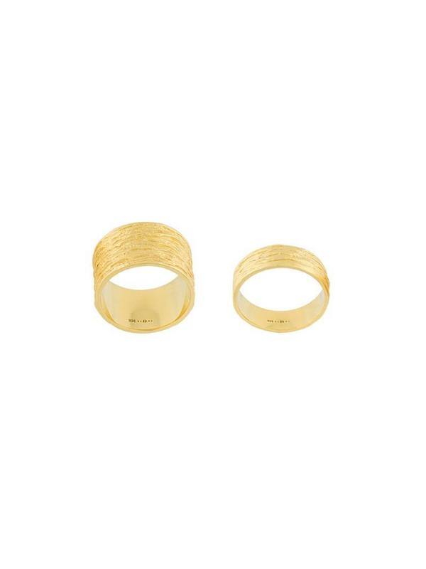 Eshvi embossed ring set in metallic