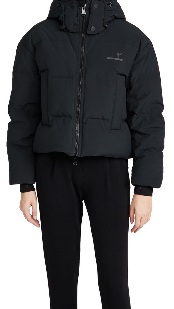 The Arrivals Womens Short Puffer in black