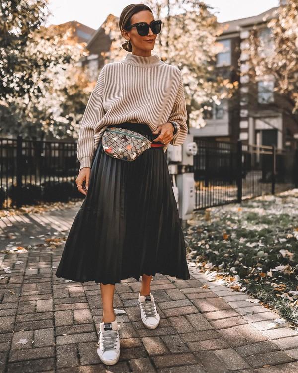 skirt pleated skirt black skirt midi skirt white sneakers turtleneck sweater belt bag