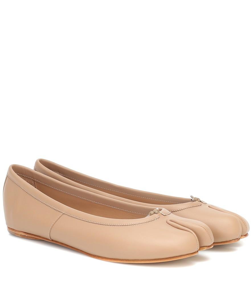 Maison Margiela Tabi leather ballerinas in beige