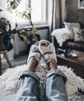 shoes,fur,home wear,homewear,home shoes,cozy,slippers,home accessory,homecoming shoes,zara