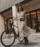 dress,boho dress,print,print dress,streetstyle,streetwear,model off-duty,instagram,fashion vibe,fashion inspo,fashion,leopard print